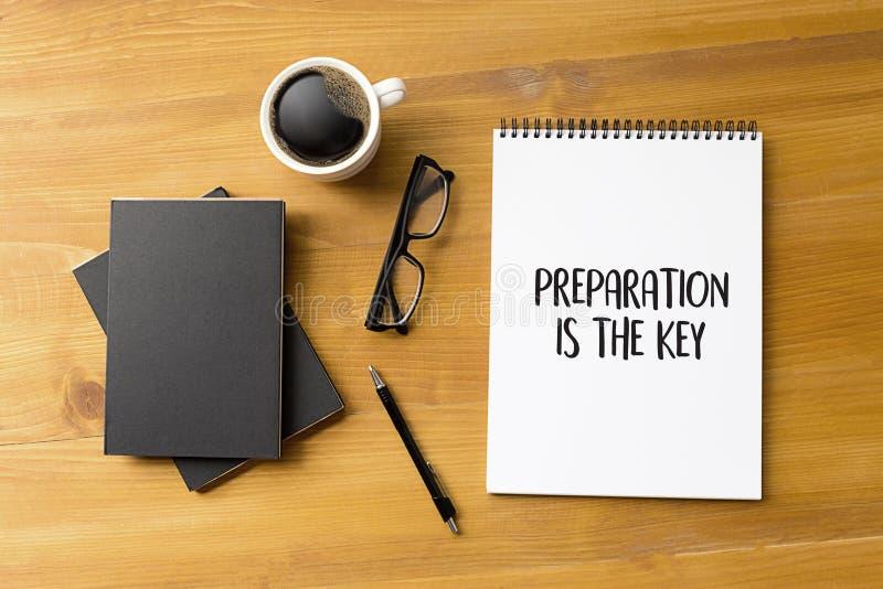 PREPÁRESE y la PREPARACIÓN ES el plan DOMINANTE realiza el negocio co imágenes de archivo libres de regalías