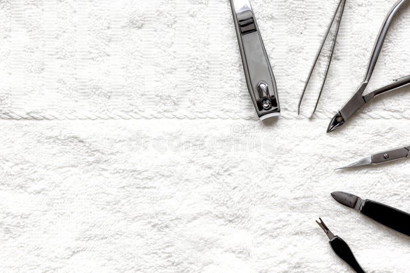 Download Preparação Para O Pedicure - Ferramentas Na Opinião De Tampo Da Mesa Foto de Stock - Imagem de acessórios, equipamento: 80102940