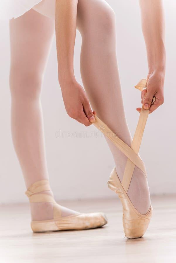Download Preparación bailar foto de archivo. Imagen de balance - 41909182