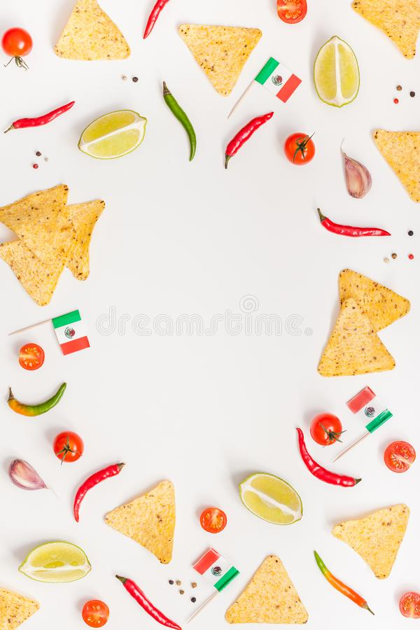 Preparación de comida mexicana que cocina concepto imagen de archivo