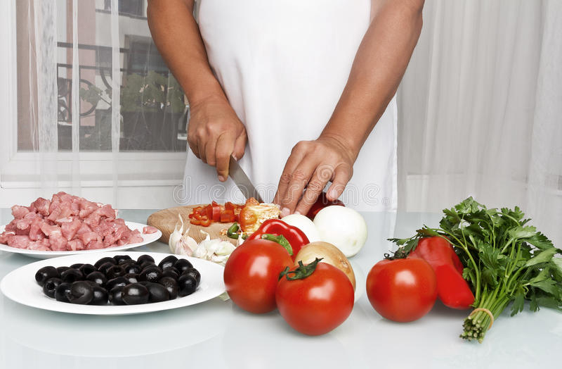 Preparación de la carne, cortando imagen de archivo