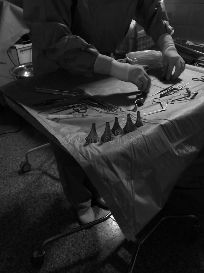 Preparación de las herramientas en teatro de operaciones imágenes de archivo libres de regalías