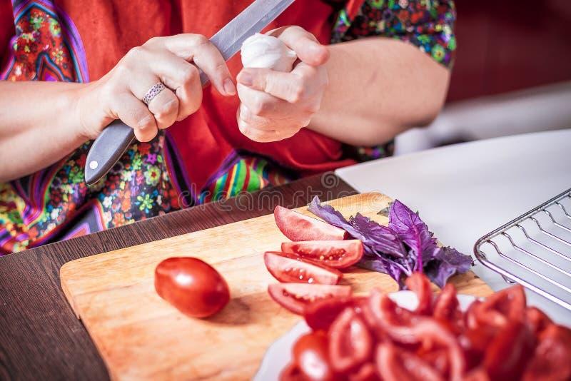 Preparación de los tomates secados fotografía de archivo libre de regalías