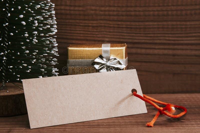 Preparaciones de los regalos de la Navidad fotografía de archivo libre de regalías