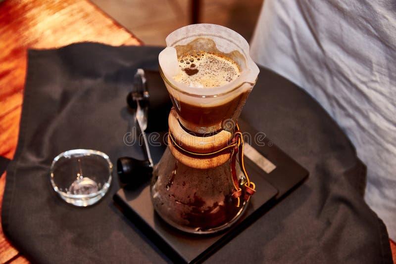 Preparazione di caffè fotografia stock