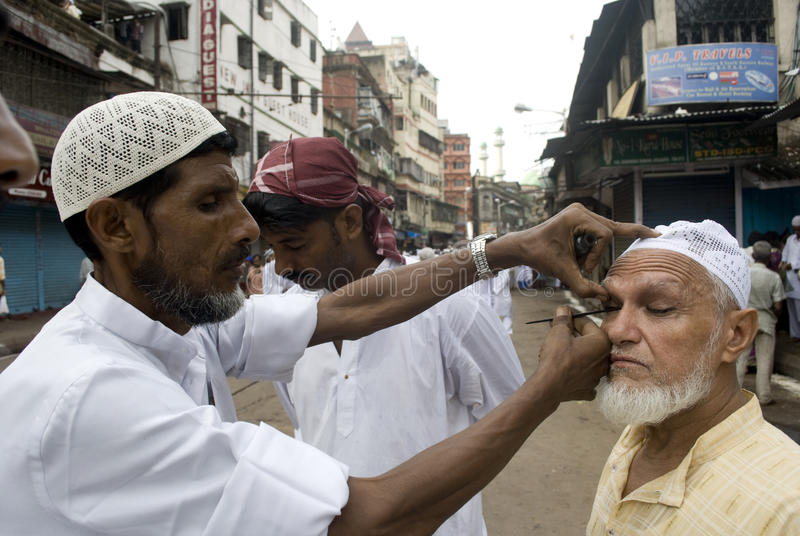 Preparazione per la preghiera di Eid immagine stock