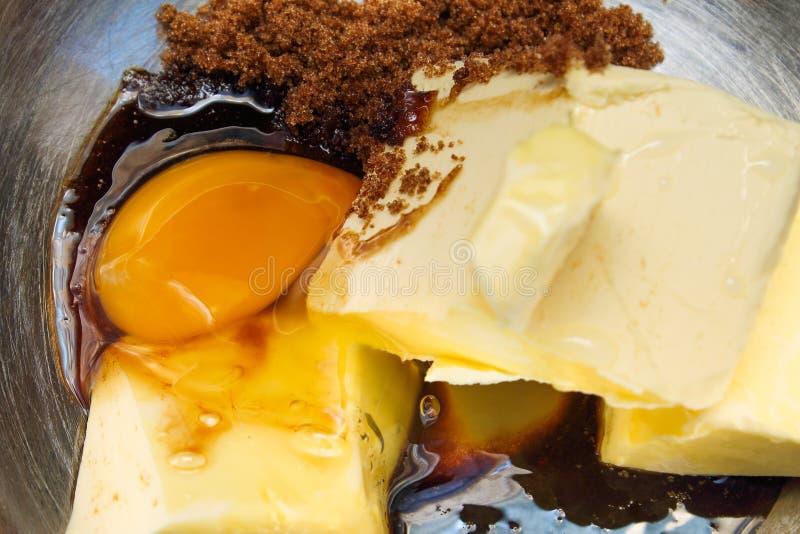 Preparazioni per la fabbricazione del dolce - ingredienti del dolce fotografia stock libera da diritti