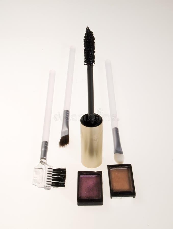 Prepari le spazzole e la mascara immagine stock