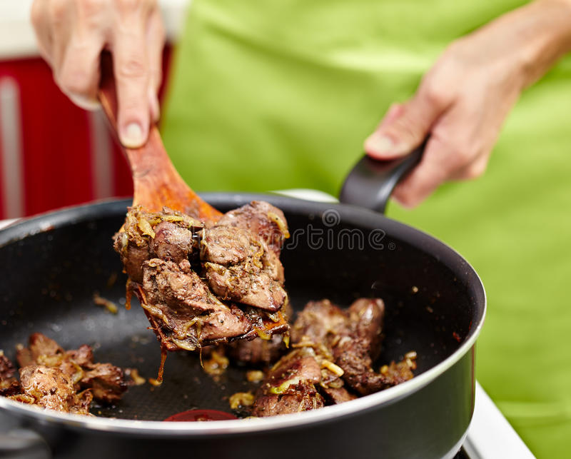 Download Preparing Fried Chicken Liver With Onions Stock Image - Image: 37504195