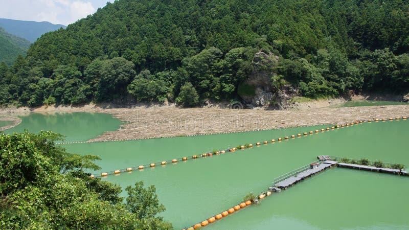 Presa de Futagawa en el río de Arita en Wakayama, Japón foto de archivo