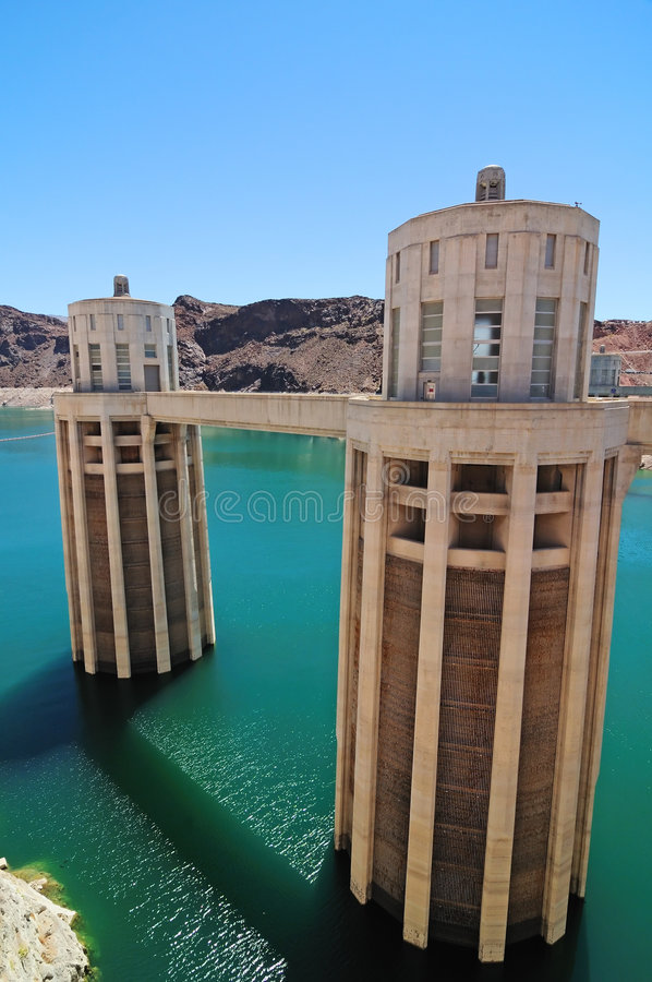 Download Presa de Hoover imagen de archivo. Imagen de lago, roca - 7286887