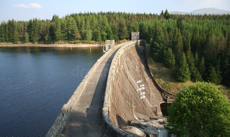 Presa hidroeléctrica imagen de archivo