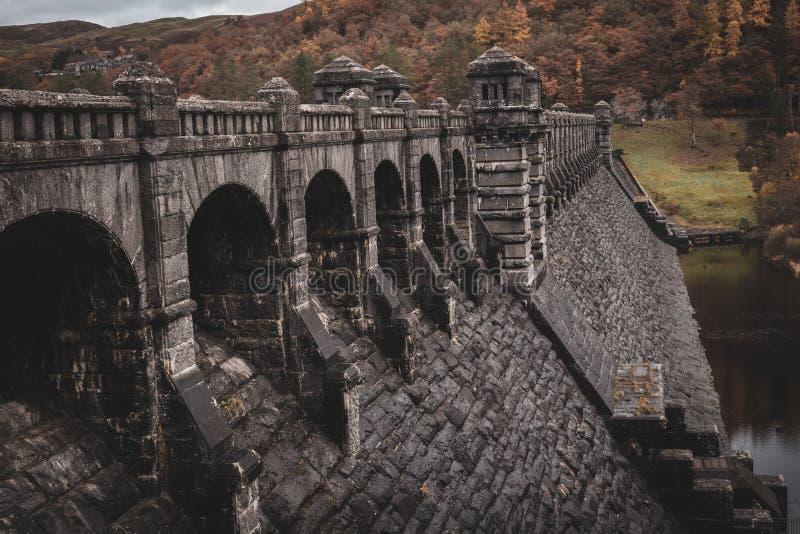 Presa magnífica de Vyrnwy del lago en Powys, País de Gales fotos de archivo