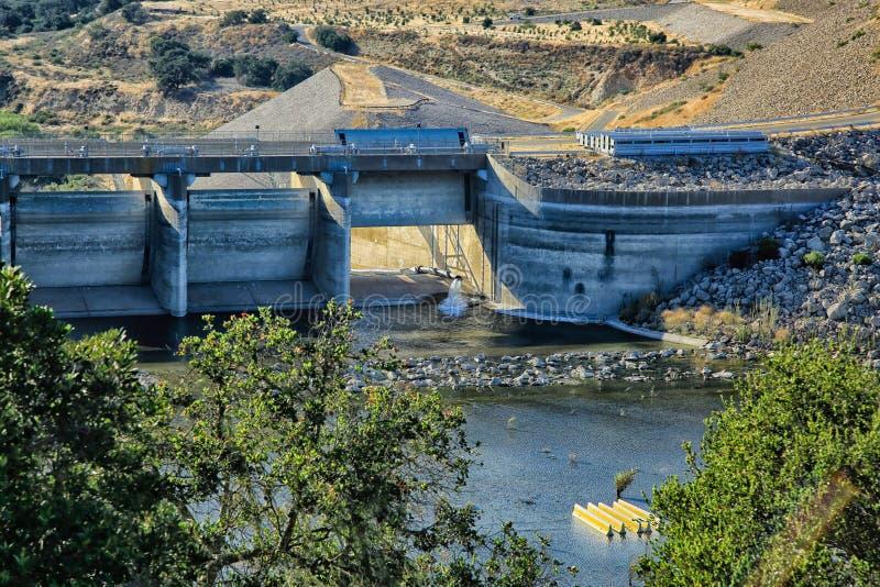 Presa Nevada del agua imagen de archivo