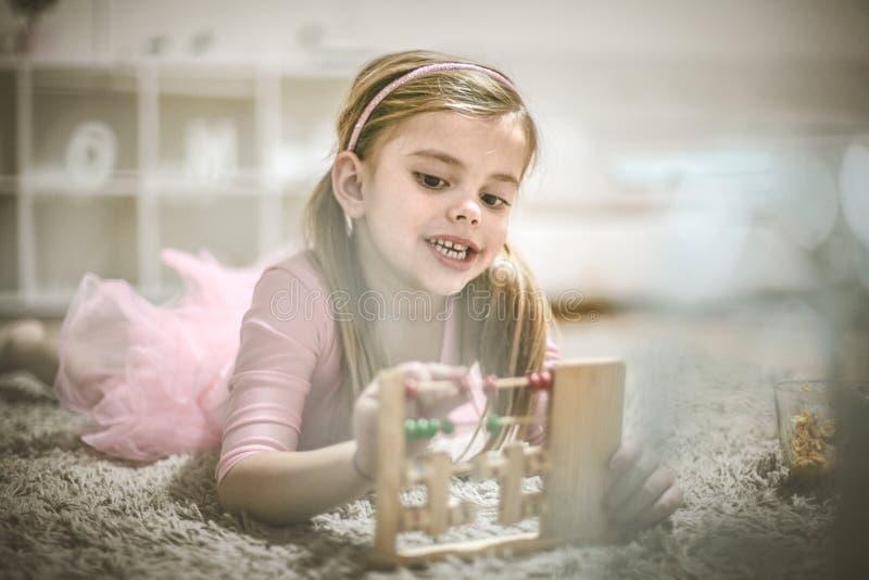 Preschool dziewczyna z abakusem zdjęcie royalty free