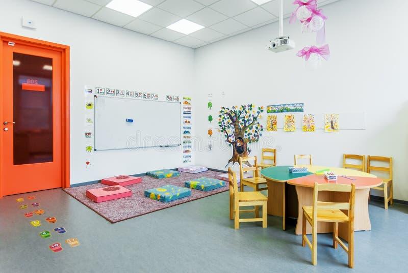 Preschool klasowe angielszczyzny akademia nowożytny edukaci wnętrze zdjęcia royalty free