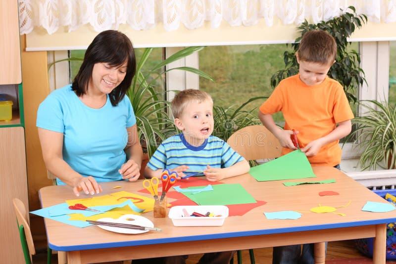 Preschoolers e habilidades manuais foto de stock royalty free