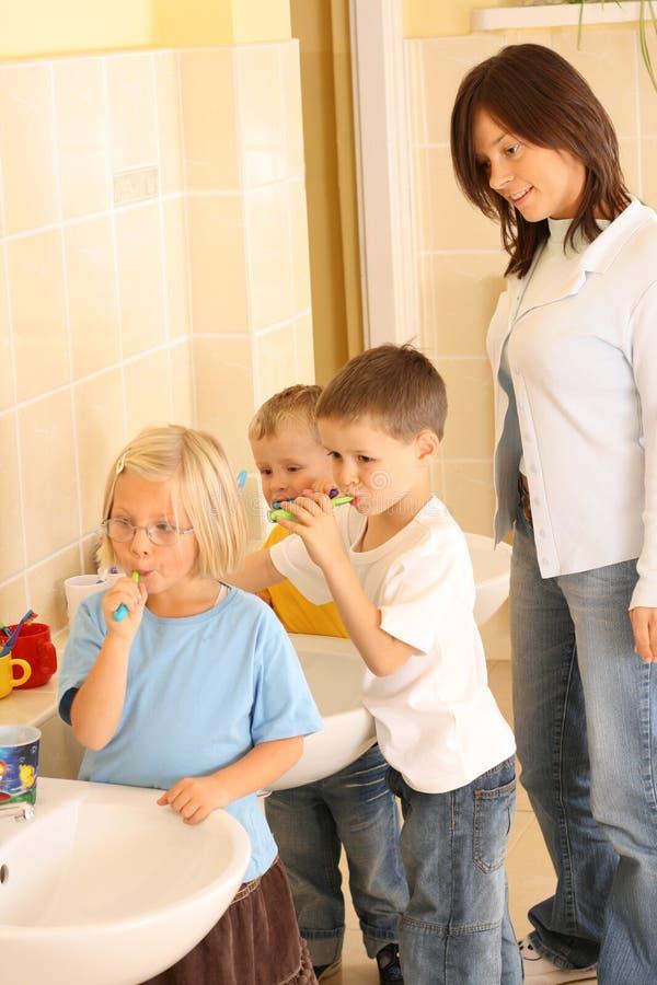 Preschoolers y dientes blancos imagen de archivo libre de regalías