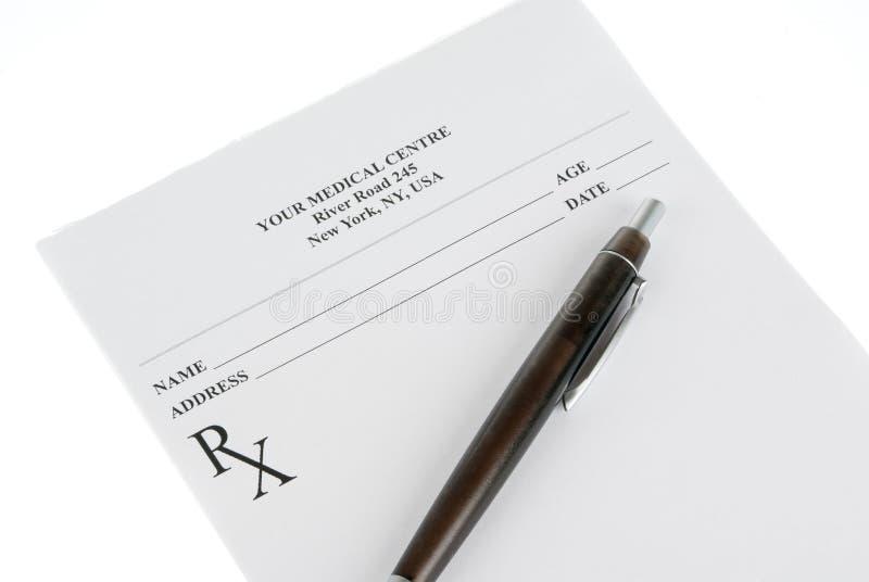 Prescrição médica vazia com um sthetoscope isolado foto de stock royalty free