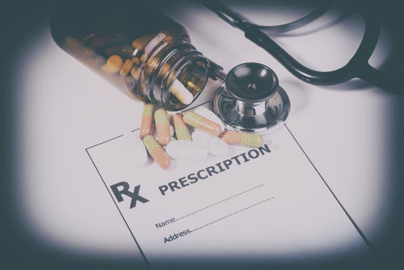 Prescrizione per i farmaci contro le malattie fotografia stock