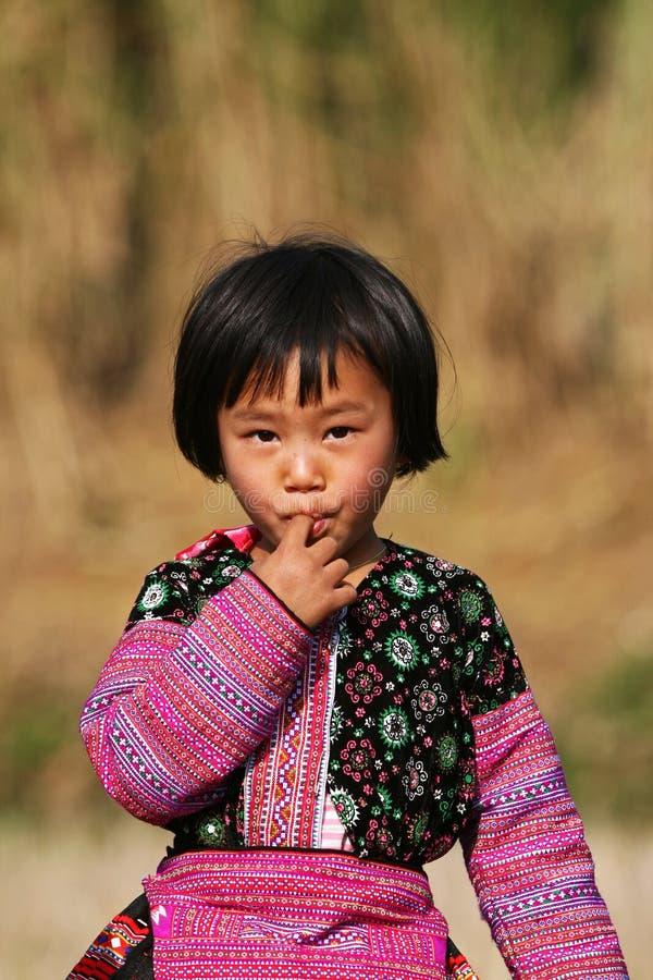Presentación de la muchacha de Hmong fotografía de archivo libre de regalías