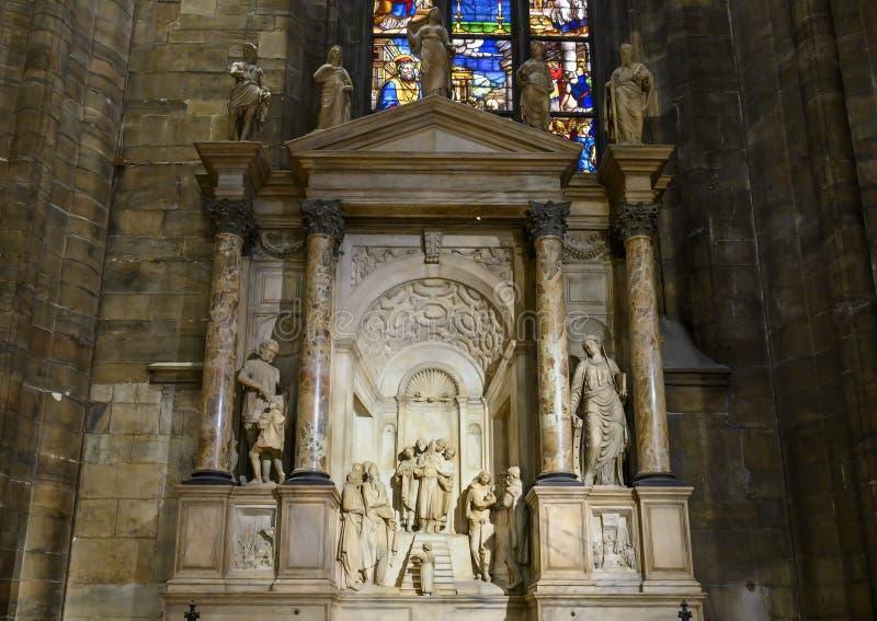 Presentación de la Virgen María de Agostino Busti, Milan Cathedral foto de archivo