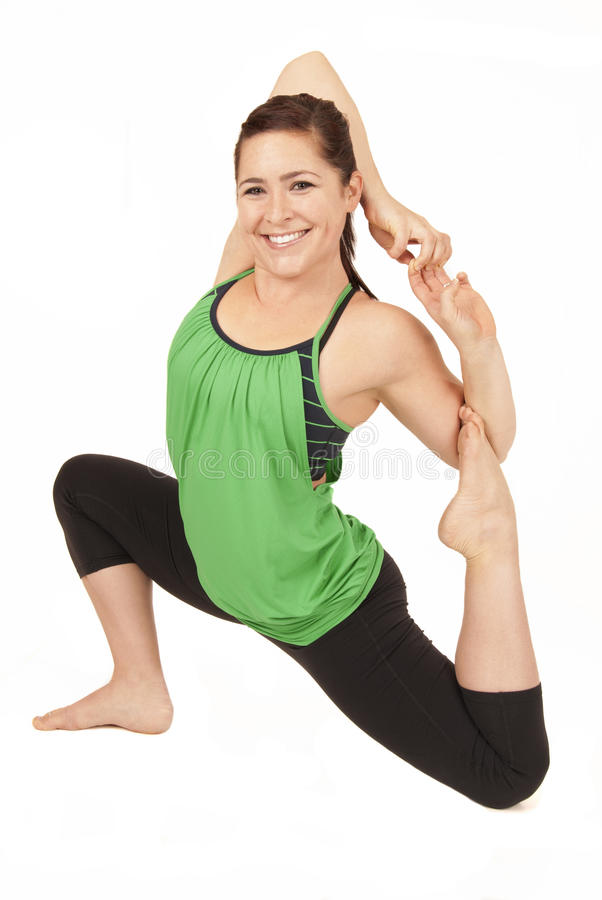 Presentación modelo de la yoga femenina en rey modificado Pigeon imágenes de archivo libres de regalías