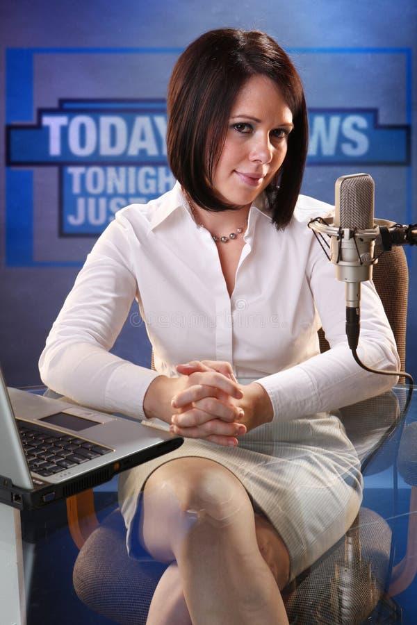 Presentador de noticias fotos de archivo
