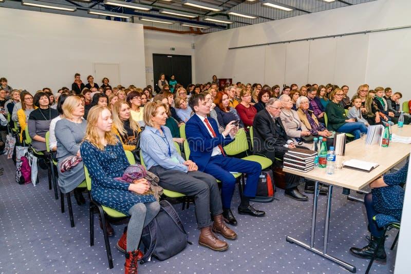Presentatie van Boek 'Koningin van de ringslangen door Vytautas V Landsbergis bij de Vilnius-boekenbeurs stock fotografie