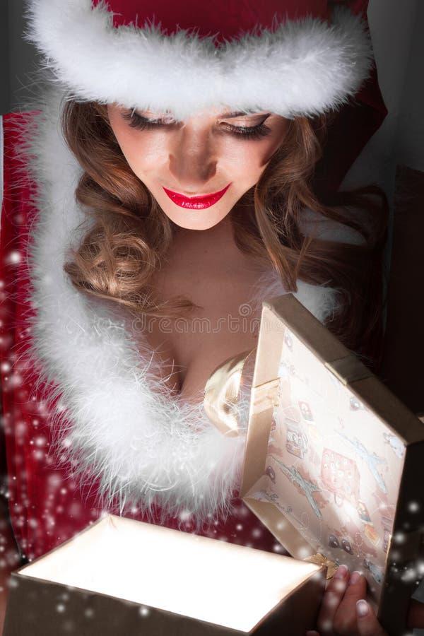 Presente de incandescência do Natal fotos de stock