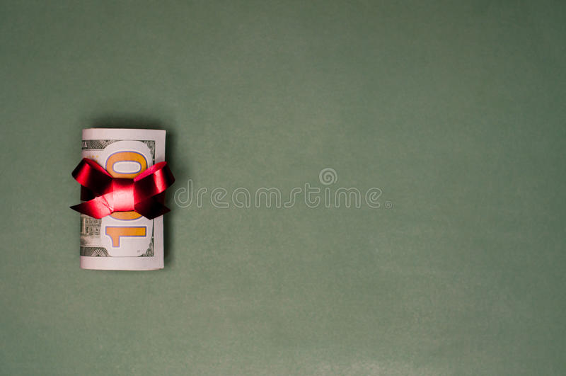 Presente de Natal do dinheiro do dinheiro de U S currency fotografia de stock royalty free