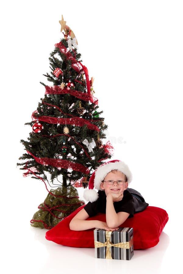 Presente de Natal do menino imagem de stock royalty free