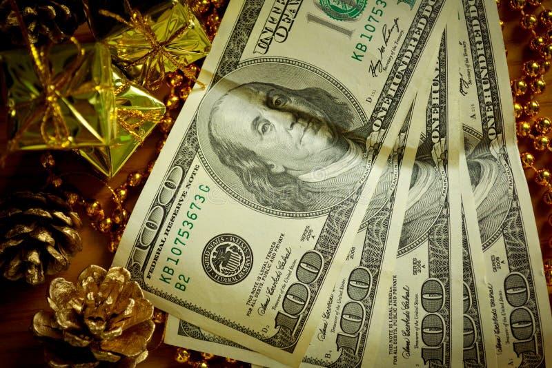 Presente do dinheiro imagem de stock royalty free