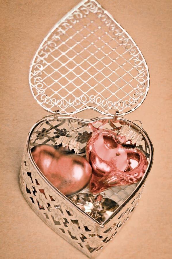 Presente dos Valentim dos corações imagens de stock