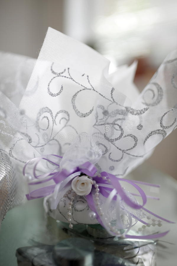 Presente e decoração de casamento imagens de stock