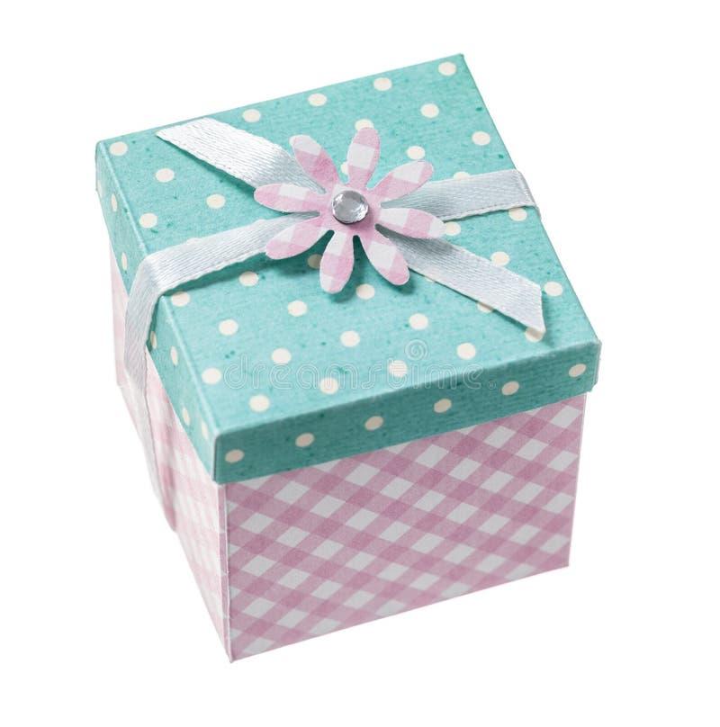 Presente encajonado hecho a mano aislado en blanco imagen de archivo libre de regalías