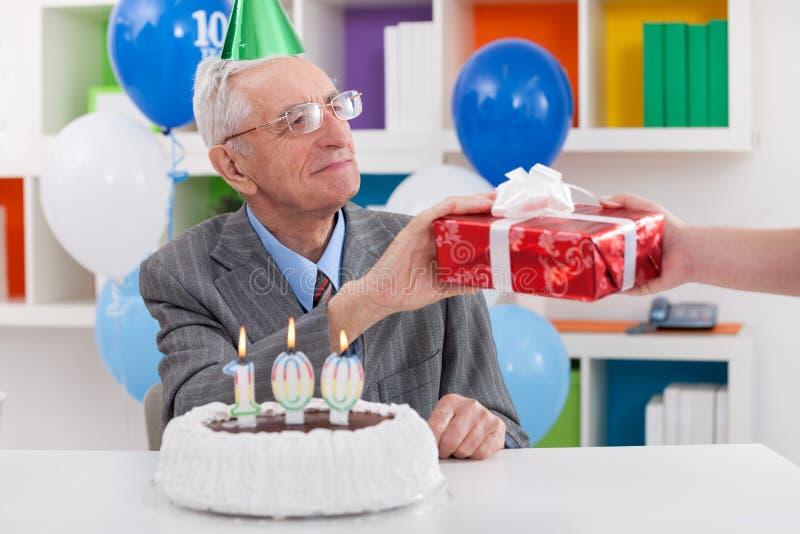 Presente para o 100th aniversário foto de stock royalty free