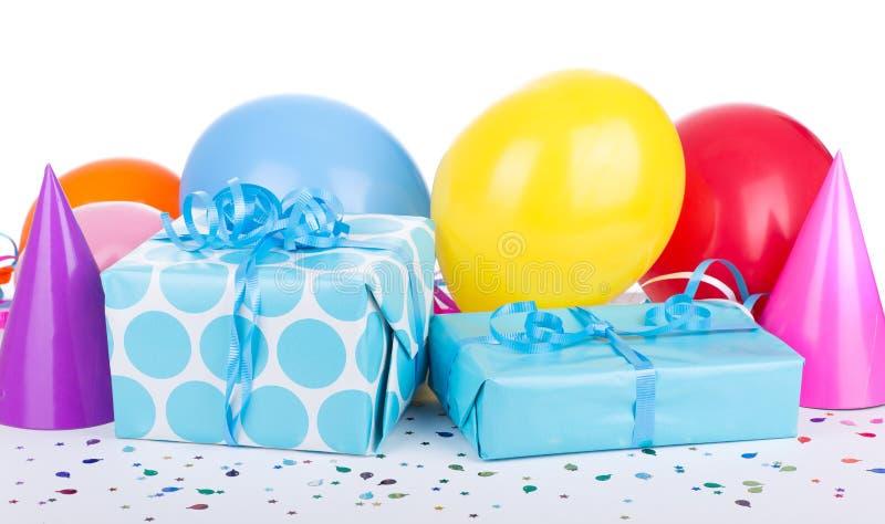 Presentes de aniversário azuis foto de stock