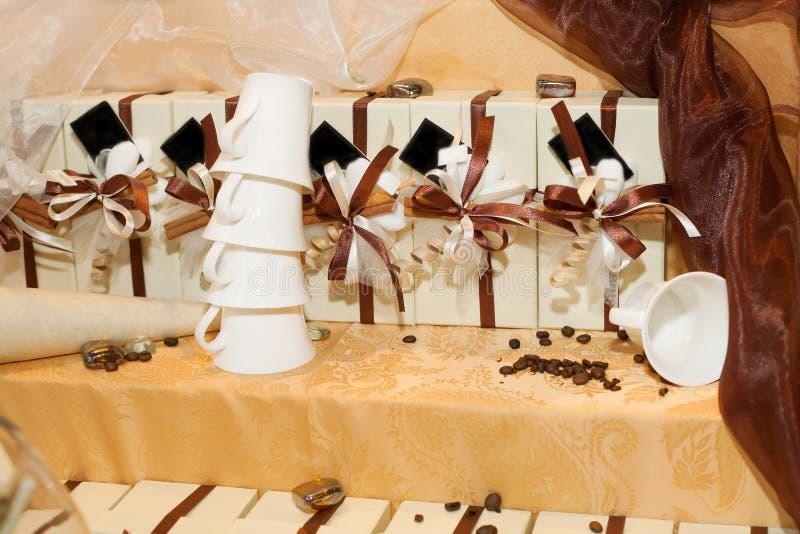 Presentes de casamento para o convidado fotografia de stock royalty free