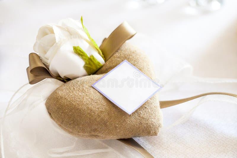 Presentes de casamento para o convidado fotografia de stock