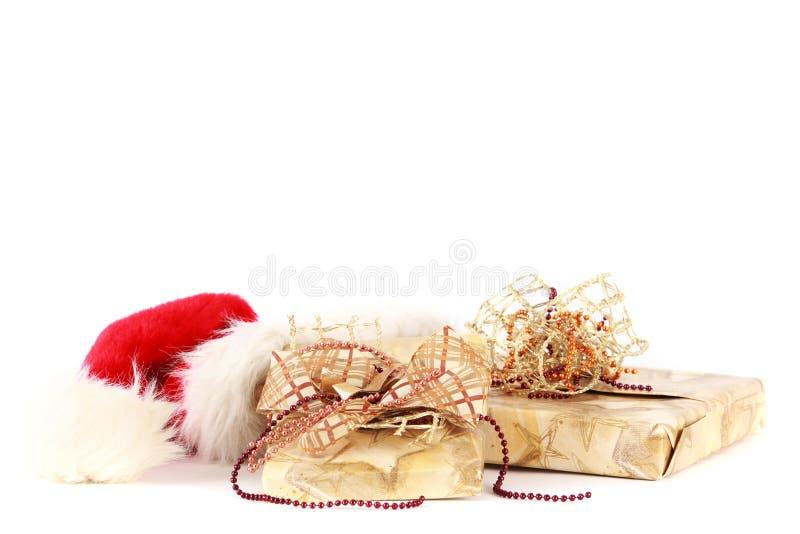 Presentes de Natal decorados imagem de stock
