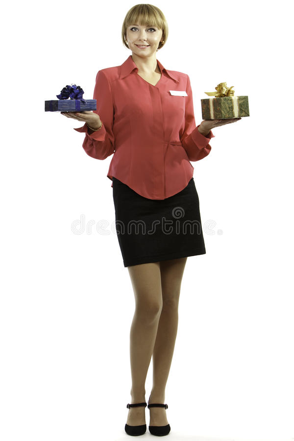 Presentes de oferecimento do consultante louro novo da mulher fotografia de stock royalty free