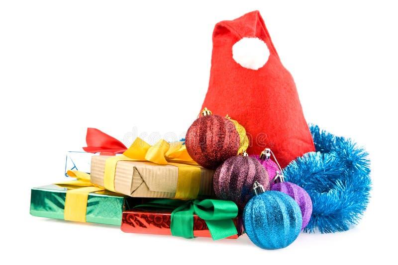 Presentes e decorações do Natal imagens de stock royalty free
