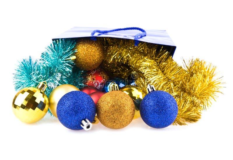 Presentes e decorações do Natal fotografia de stock