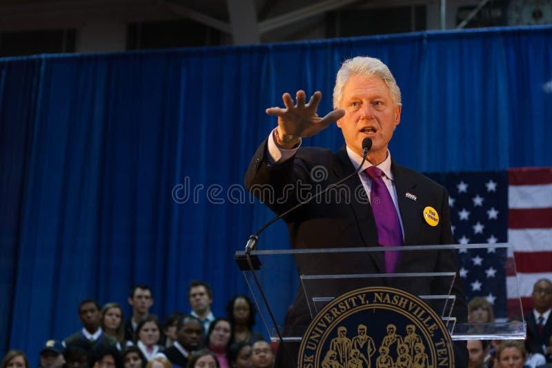 Presidente anterior Bill Clinton habla imagen de archivo