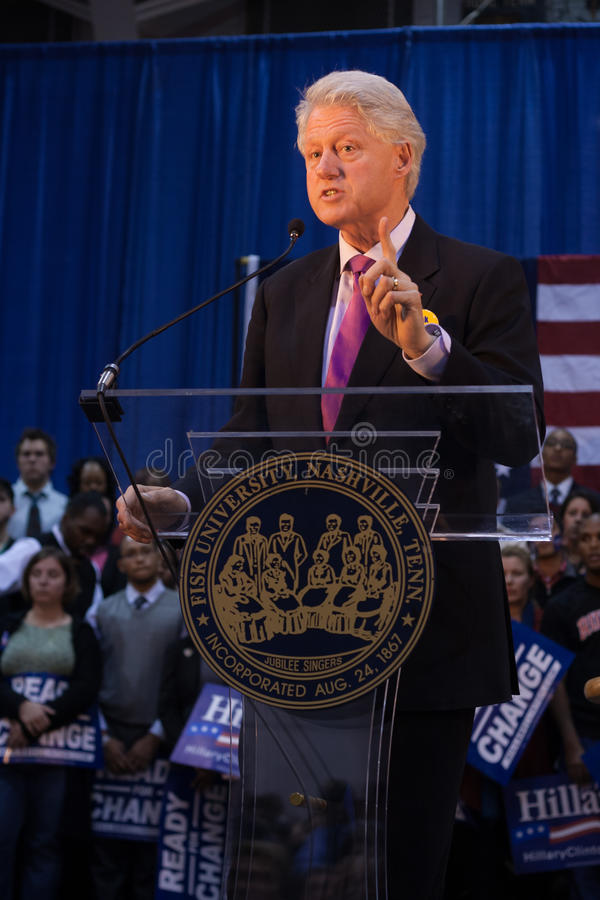 Presidente anterior Bill Clinton habla fotografía de archivo