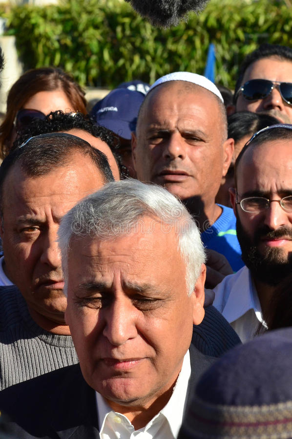 Presidente anterior Katsav de Israel na maneira à prisão fotografia de stock royalty free