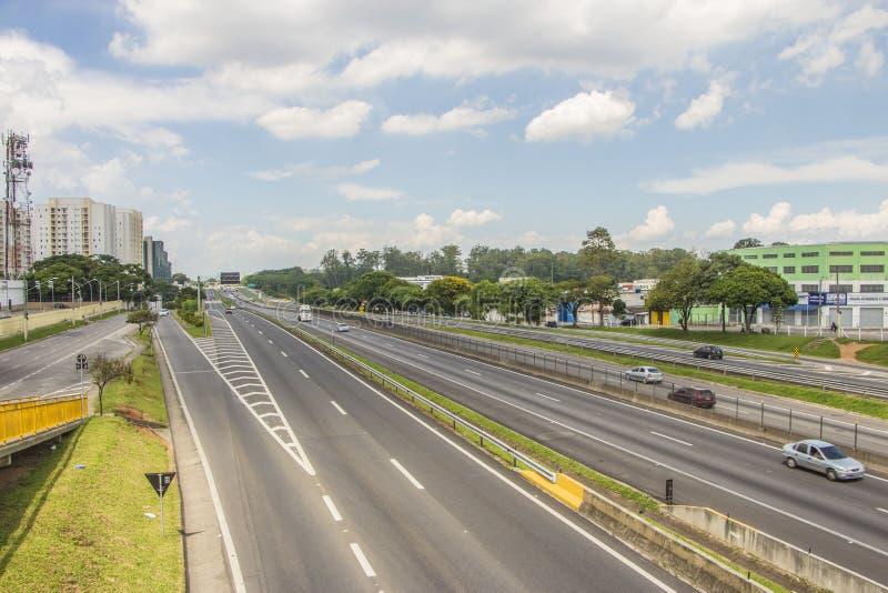 Presidente Dutra väg - Brasilien royaltyfri fotografi