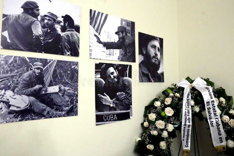 Presidente presenta sus condolencias en embajda de Cuba immagine stock