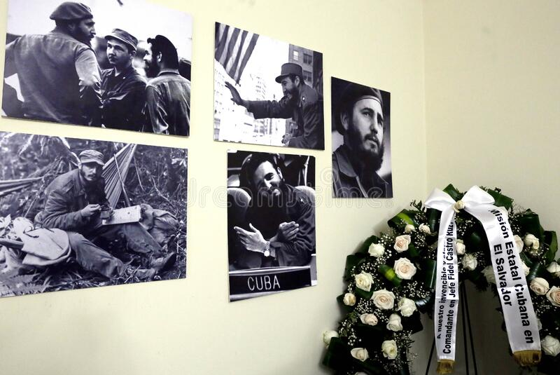 Presidente presenta sus condolencias en embajda de Cuba stock afbeelding